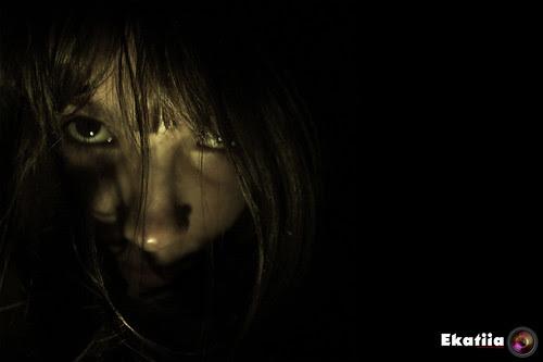 Desde las sombras by Ekatiia