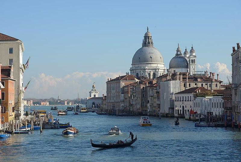 File:Canal Grande Chiesa della Salute e Dogana dal ponte dell Accademia.jpg