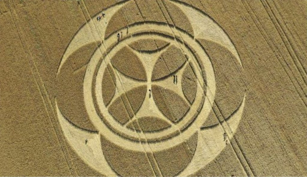 'Templar' crop circle appears overnight in France ...