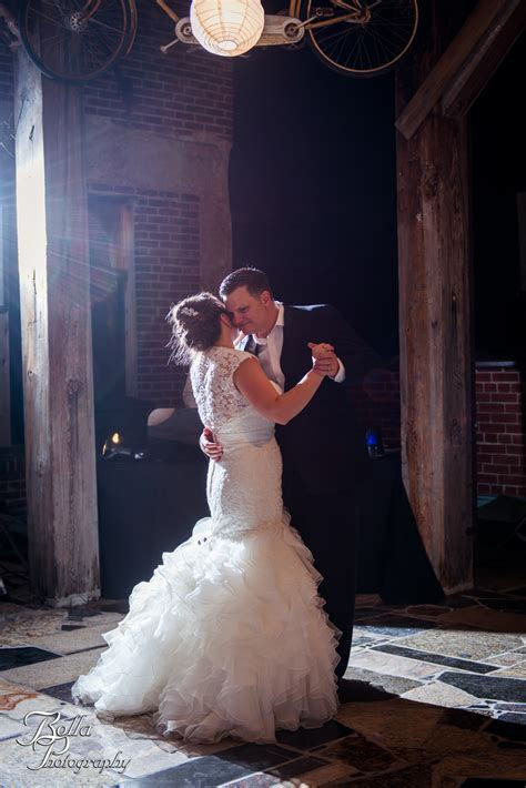 Ashlie & Nick: The Rooftop Reception ? Bolla Photography