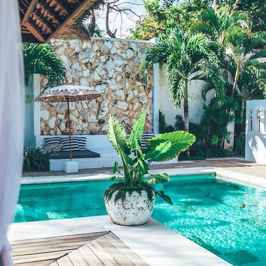 17 gorgeous backyard pools that will make you long for summer