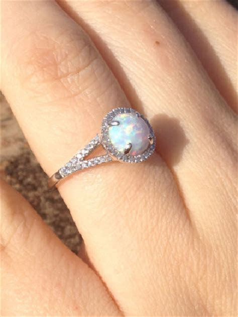 15 Non Traditional Engagement Rings Worth Considering