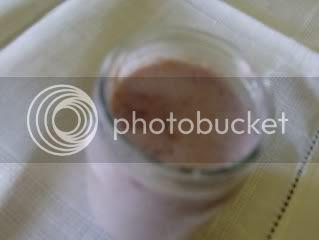 Iogurte de morangos e framboesas