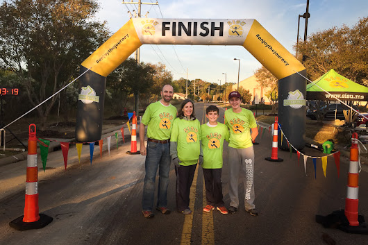 Inflatable Arch Helps Boost Business for Race-Timing Company