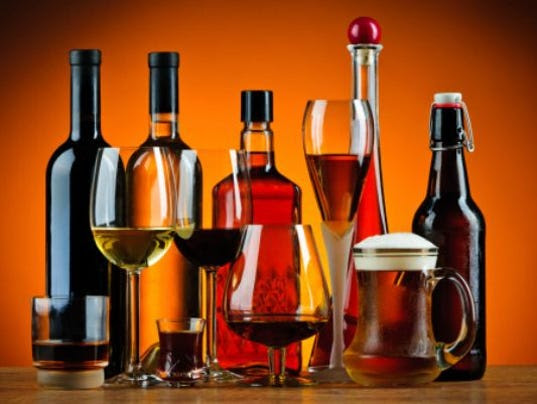 635768250229608776-drinking