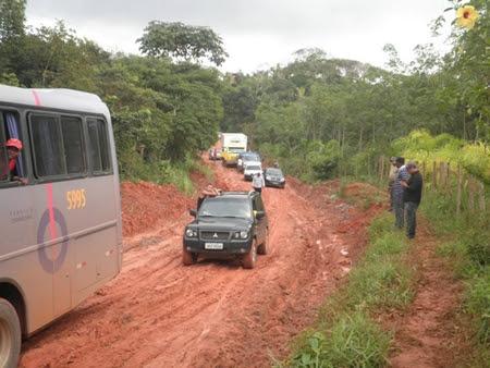 Lamaçal dificultou acesso à Maraú neste final de semana (Foto: Maraú Notícias)