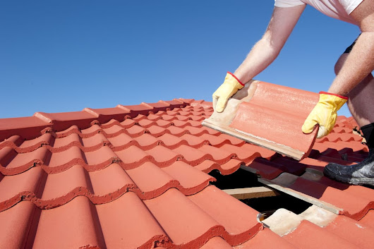 Telltale Warnings Your Roof Could Collapse | The Roof Doctor