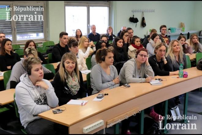 L'évolution de la psychiatrie en France a été présentée aux étudiants sarrois.  Photo Thierry NICOLAS.