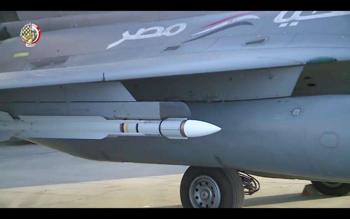 ΕΚΤΑΚΤΟ – Boμβαρδίζει ανηλεώς σε ολόκληρη την Λιβύη η Aίγυπτος ανοίγοντας δρόμο για τον εκλεκτό της Μόσχας – Στον αέρα F-16 Block 52 και Rafale με MICA EM – MICA IR μαζί με E-2C Hawkeye 2000 AEW - Εικόνα5