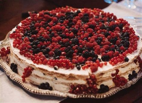 Italian Wedding Cake !!! Millefoglie with berries for