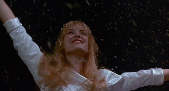 Edward Scissorhands Kim Dancing In The Snow