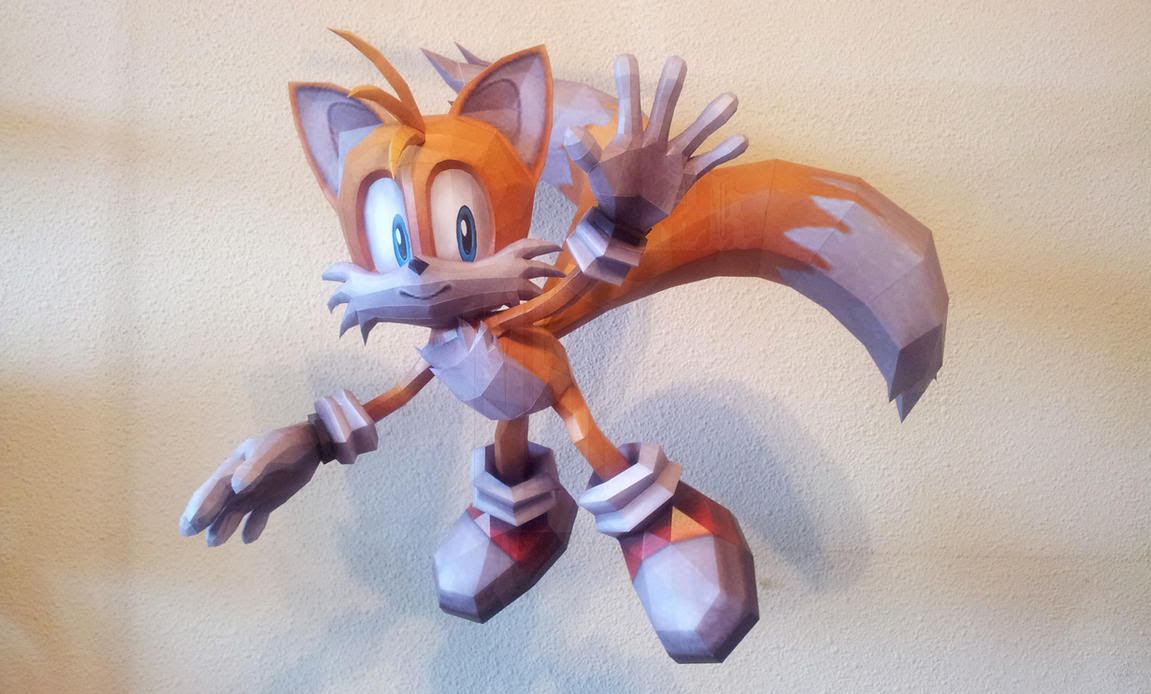 Tails Paper Model