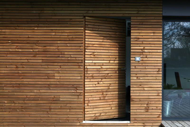 une maison en bois je veux une porte comme a. Black Bedroom Furniture Sets. Home Design Ideas
