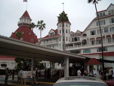 One more for the road... The Coronado Hotel, which is one of the most well-known haunted sites here in this country. I took this picture when a few of my friends and I hung out in San Diego on Saturday.