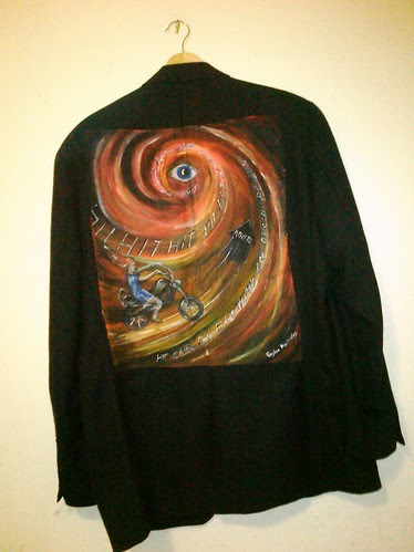 "The ""Eye"" in HIT: a jacket for David Sides"