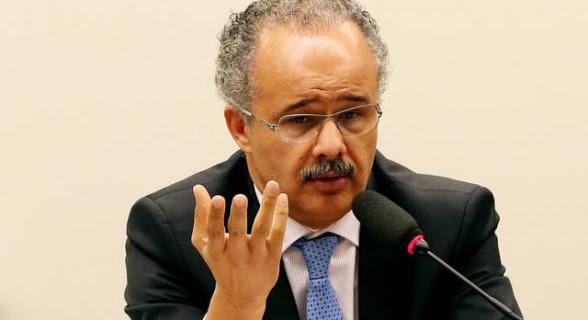 O petista Vicente Cândido (SP) já apresentou três versões do relatório da reforma política. Mudanças no sistema eleitoral devem ficar em segundo plano para dar prioridade a regras de financiamento