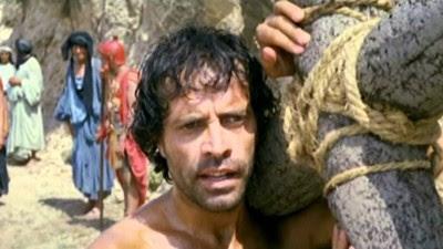 Il ladrone è un film del 1980 di Festa Campanile, con un'Edvige Fenech molto in forma. Ho ricordi vaghi ma positivi.