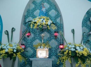 Homem rouba capela em SP, leva objetos e hóstias consagradas