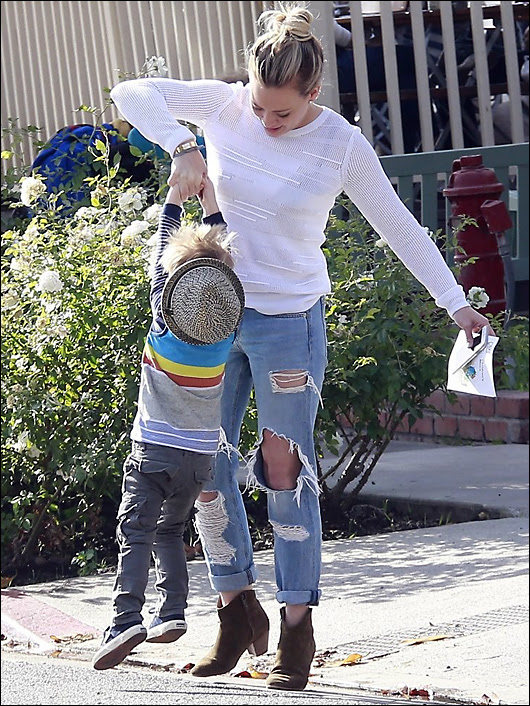 hilary duff parking ticket torn jeans