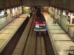 Tren entrando en la Estación Viña del Mar.