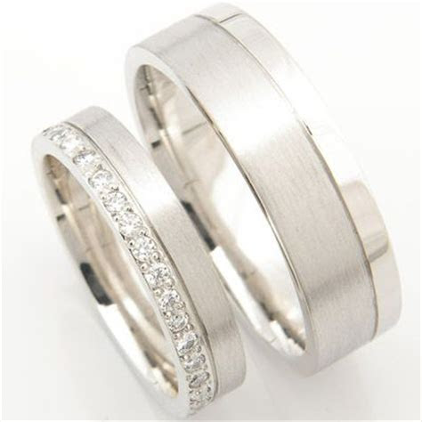 Best 20  Wedding bands ideas on Pinterest   Diamond