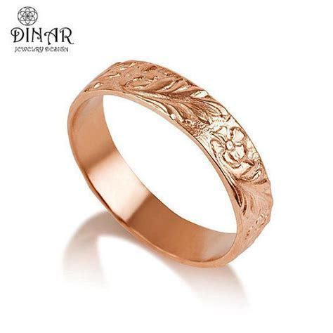 Engraved flowers and leaves wedding ring for women