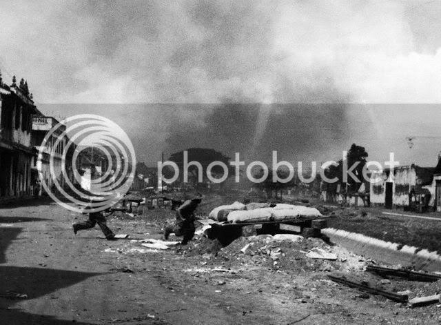 Suasana kota Surabaya yang mencekam dalam pertempuran