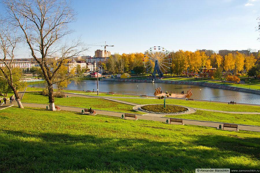 Осень, набережная реки Саранка и Пушкинский парк