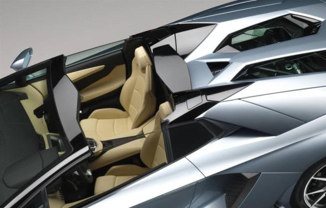 The Lambo LP700-4 Cabrio Is Smoking Hot