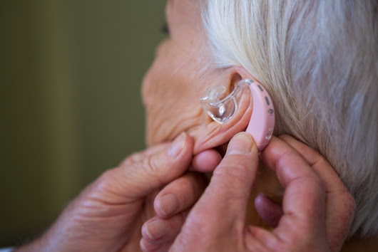 Senior Lifestyle: Hearing Loss and Dementia