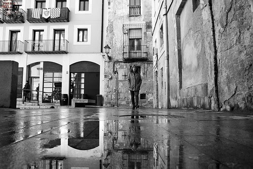 [Wet streets that smell suspiciously like pee but it is not raining] -[street photography] by Otazu