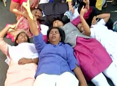 Police detain women activists on way to Maharashtra Shani temple to protest entry ban