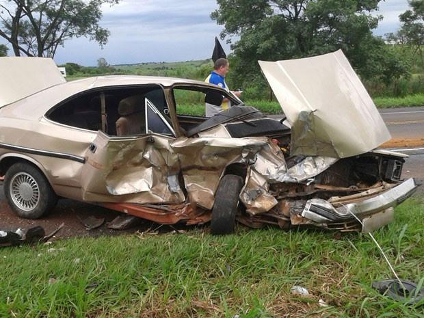 Acidente aconteceu na manhã deste sábado (12), em Martinópolis (Foto: José Antônio Silva/Cedida)