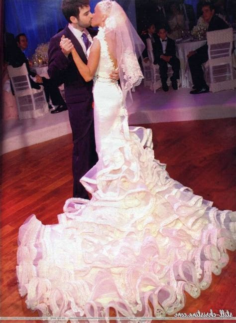 Christina Aguilera Wedding Gown   Wedding Dress   Wedding