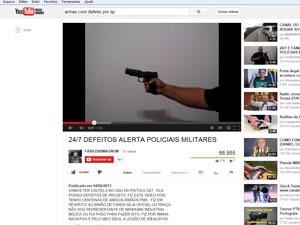 Vídeos na internet, como o da imagem acima, mostram que a pistola .40 pode disparar acidentalmente  (Foto: Reprodução/ YouTube)