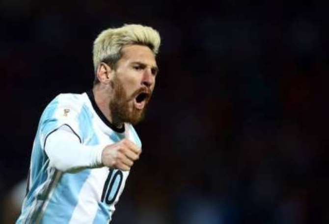 Argentina captain, Lionel Messi's explained, in a relaxed conversation with the popular Argentine TV personality Mingo, the reason for dying his hair earlier this summer.