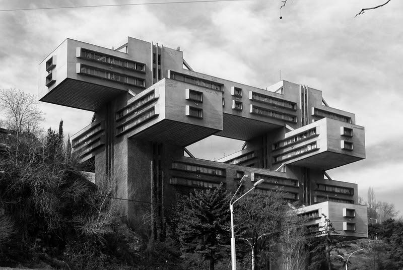 20 atemberaubende Bauten des Brutalismus - rottenplaces.de