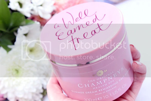 Review | Champneys Summer Dream Rewarding Salt Scrub