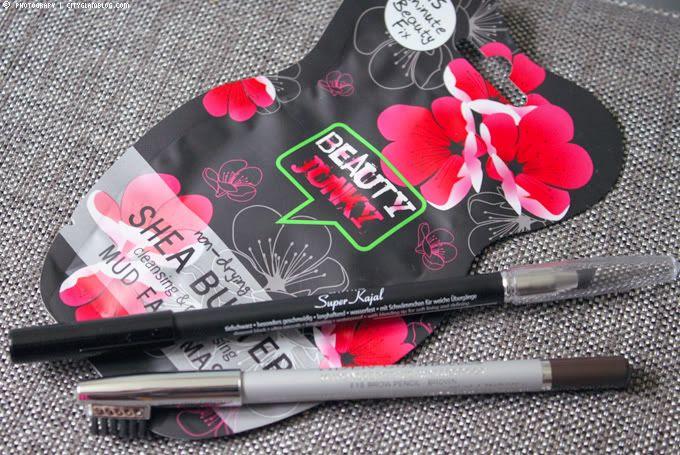 http://i402.photobucket.com/albums/pp103/Sushiina/cityglam/beauty1.jpg