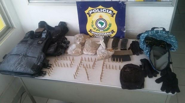 Homem é preso em União dos Palmares com mais de mil munições de fuzil (Foto: Divulgação/PRF)