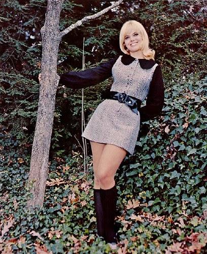 Retrospace: Mini Skirt Monday #33: Modeling The Mini