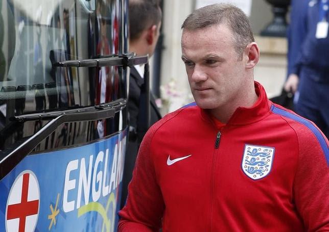 Football Soccer - EURO 2016 - England Departure - Auberge du Jeu de Paume, Chantilly, France - 28/6/16England's Wayne Rooney leaves Auberge du Jeu de PaumeREUTERS/Lee SmithLivepic