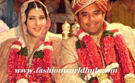 Sakshi sivanand rare marriage pic   Fashionworldhub
