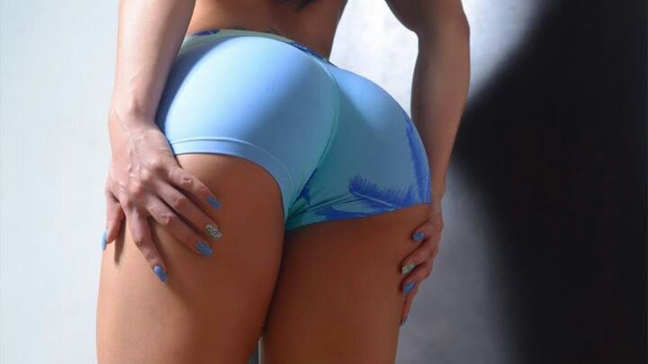 gisele-b-ndchen-butt-pics