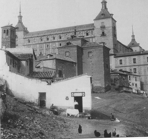 Iglesia de San Miguel y Alcázar a inicios del siglo XX