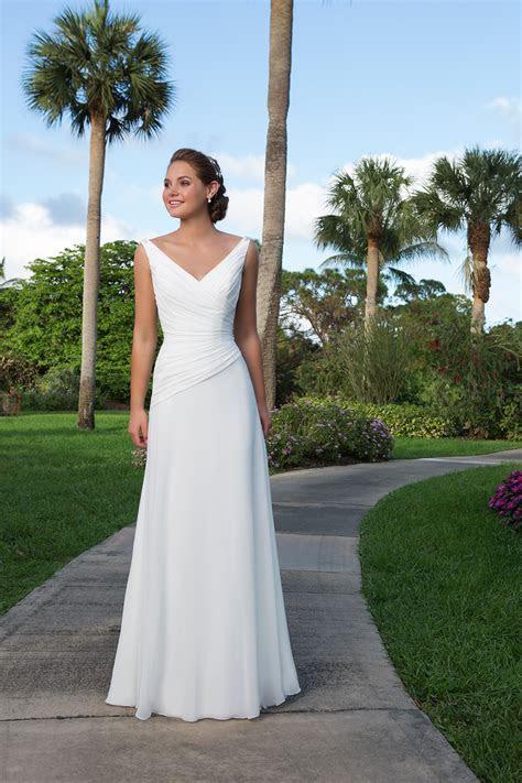 Beautiful Beach Wedding Dresses   hitched.co.uk