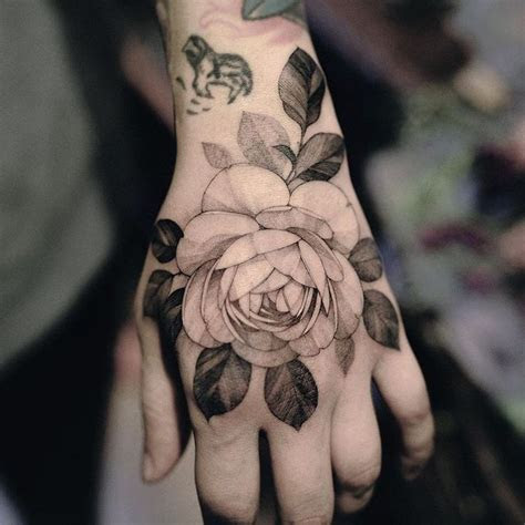 tattoo kubricks hand