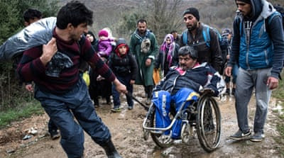 Refugees attempt perilous Greece-Macedonia crossing