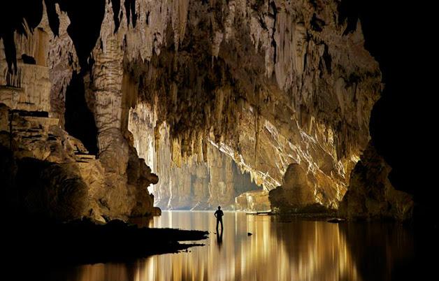 Caverna Tham Lod