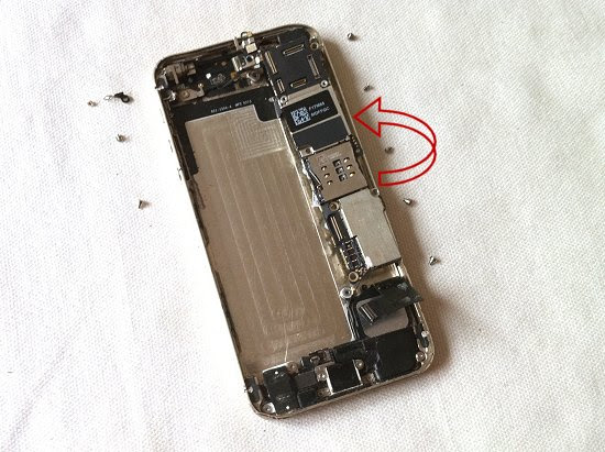 iPhone 5S disassembly stage 28